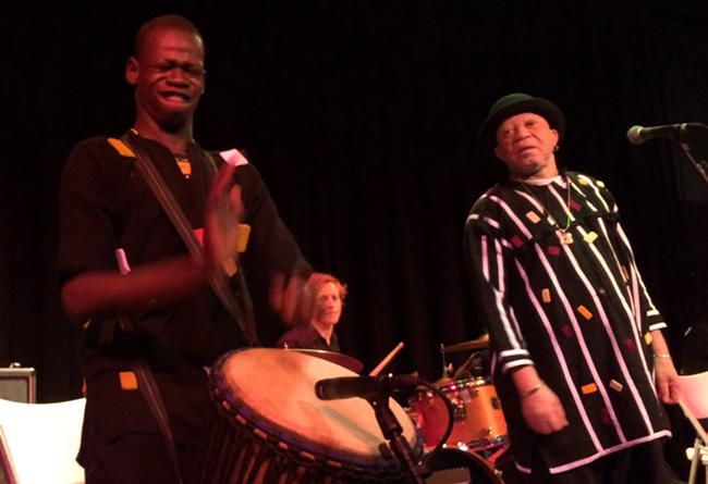 Salif Keita and djembe player