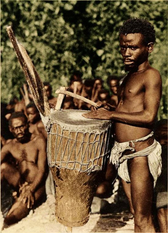 Pygmy drummer